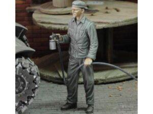 RM836 1/48 Soldato che spruzza vernice Royal Model